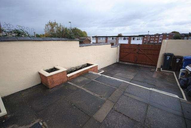 2 Bedrooms Property for sale in Warrington Road, Goose Green
