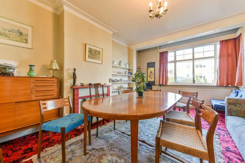 4 Bedrooms Semi Detached House for sale in Ridgway Place, London SW19