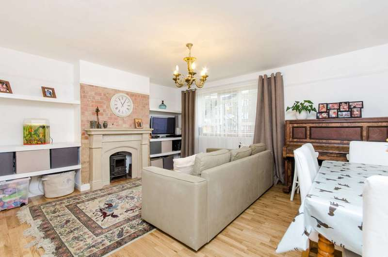 1 Bedroom Flat for sale in Gap Road, Wimbledon, SW19