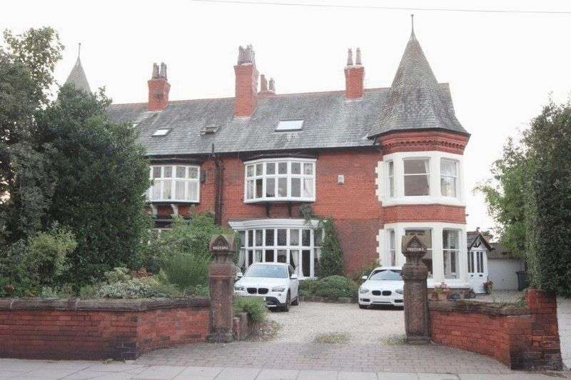 5 Bedrooms Semi Detached House for sale in Birkenhead Road, Meols, Wirral