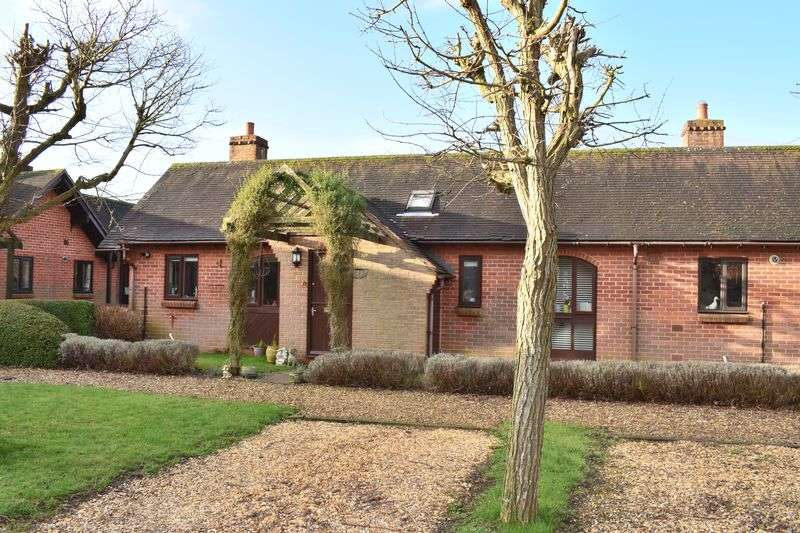 2 Bedrooms Semi Detached Bungalow for sale in Shapton Close, Southampton