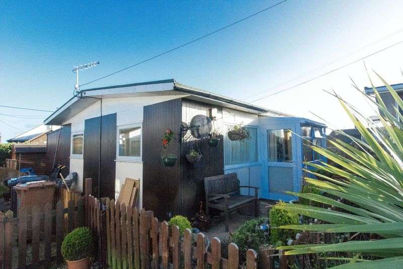 3 Bedrooms Detached Bungalow for sale in New Zealand Way, Bacton