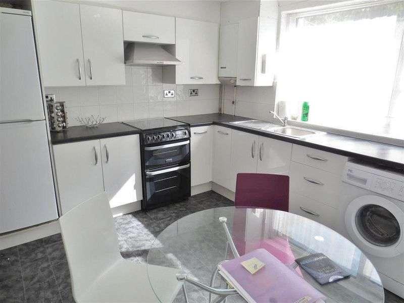 4 Bedrooms Terraced House for rent in Edinburgh Road, Brighton