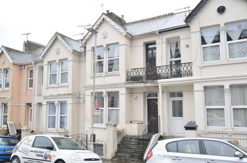 3 Bedrooms Flat for sale in Ashford Road, Plymouth.