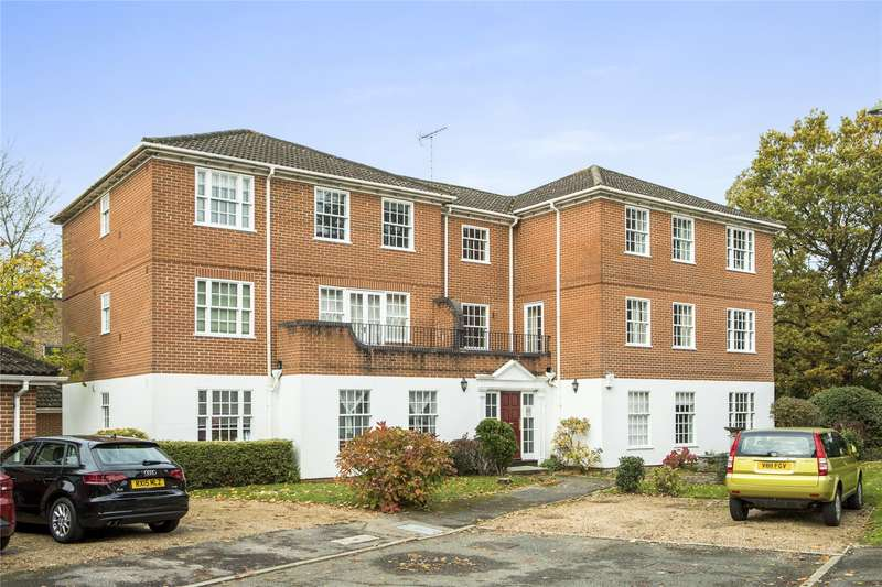 2 Bedrooms Flat for sale in Stoneleigh Park, Weybridge, Surrey, KT13