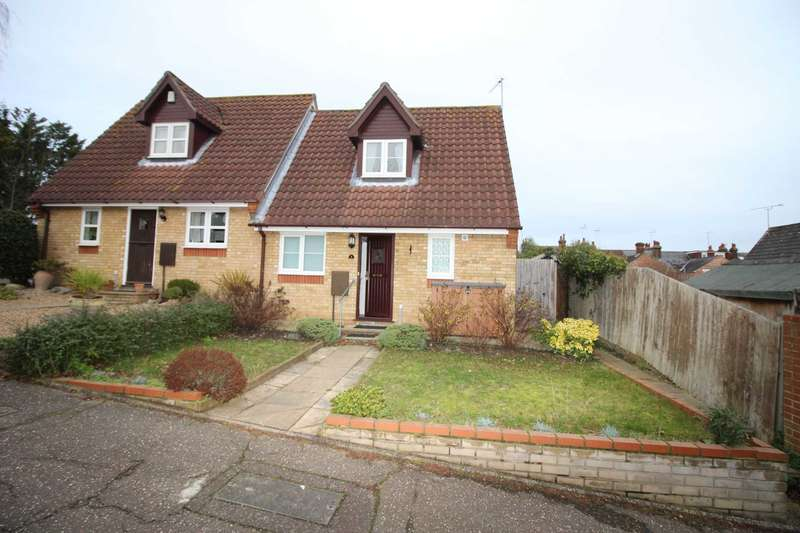 2 Bedrooms Semi Detached House for sale in Belmont Place, Colchester