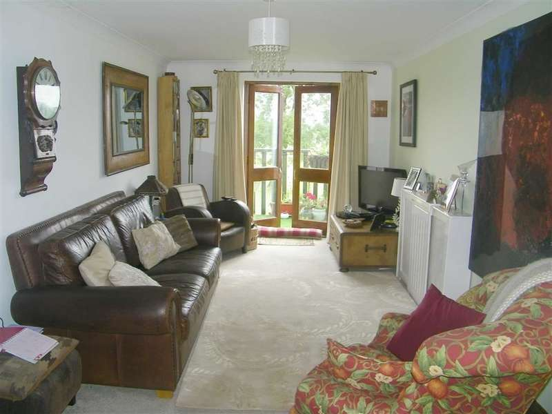 4 Bedrooms Property for sale in Old Mart Ground, Narberth, Pembrokeshire