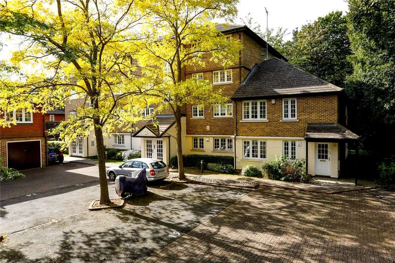 1 Bedroom Flat for sale in Selhurst Close, Wimbledon Park Side, London, SW19