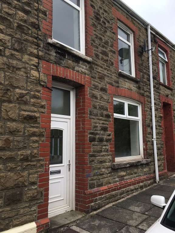 3 Bedrooms Terraced House for sale in Lloyd Street, Maesteg