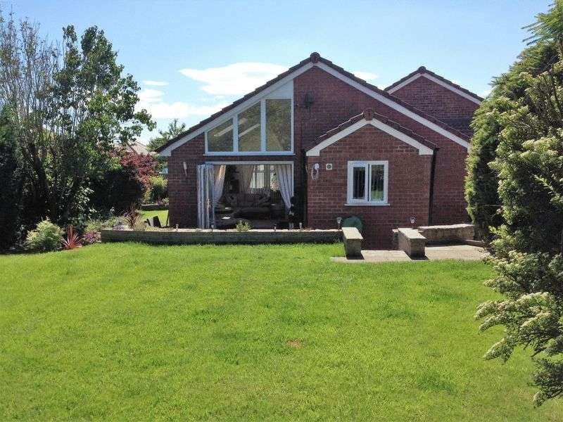 3 Bedrooms Detached Bungalow for sale in Beehive Green, Westhoughton