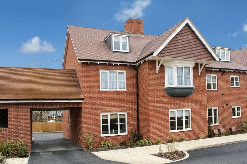 2 Bedrooms Flat for sale in Wendover