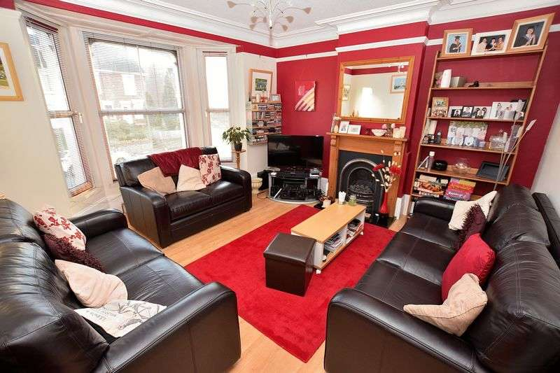 5 Bedrooms Detached House for sale in West Street, Central Dunstable
