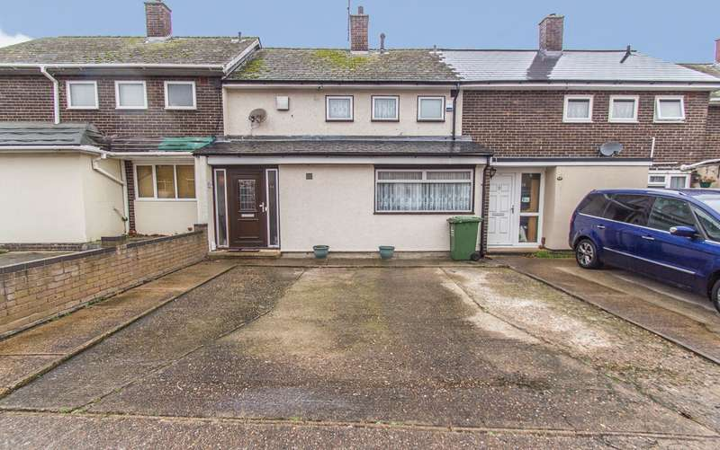 3 Bedrooms Terraced House for sale in Dengayne, Basildon, SS14