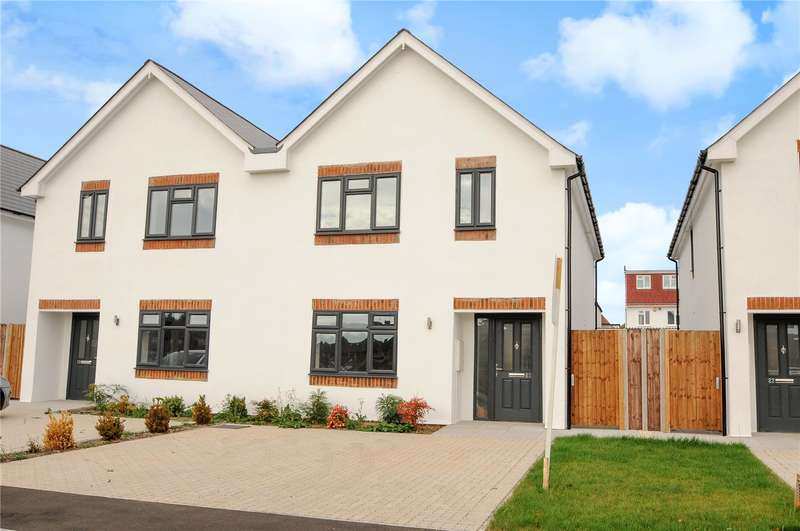 3 Bedrooms Semi Detached House for sale in Brackenbridge Drive, South Ruislip, Middlesex, HA4