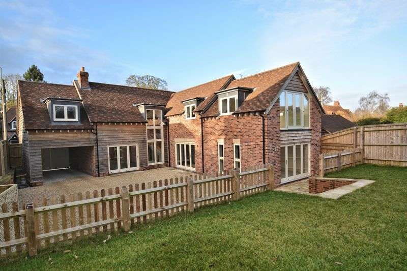 4 Bedrooms Detached House for sale in Main Street, Chilton