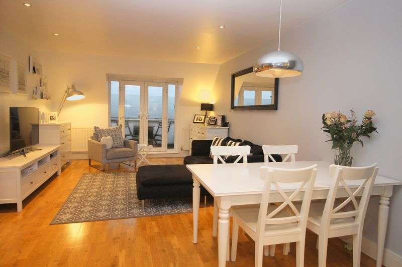 3 Bedrooms Flat for sale in The Grange, Sidcup, DA14 6QL