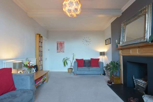 2 Bedrooms Flat for sale in Ravensheugh Road, Musselburgh, East Lothian, EH21 7SY