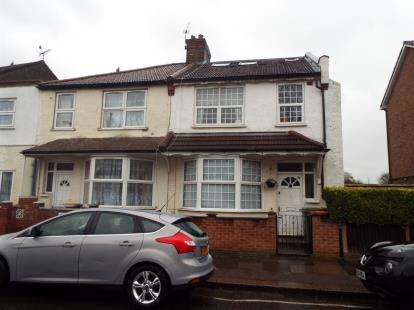 4 Bedrooms End Of Terrace House for sale in East Ham, London