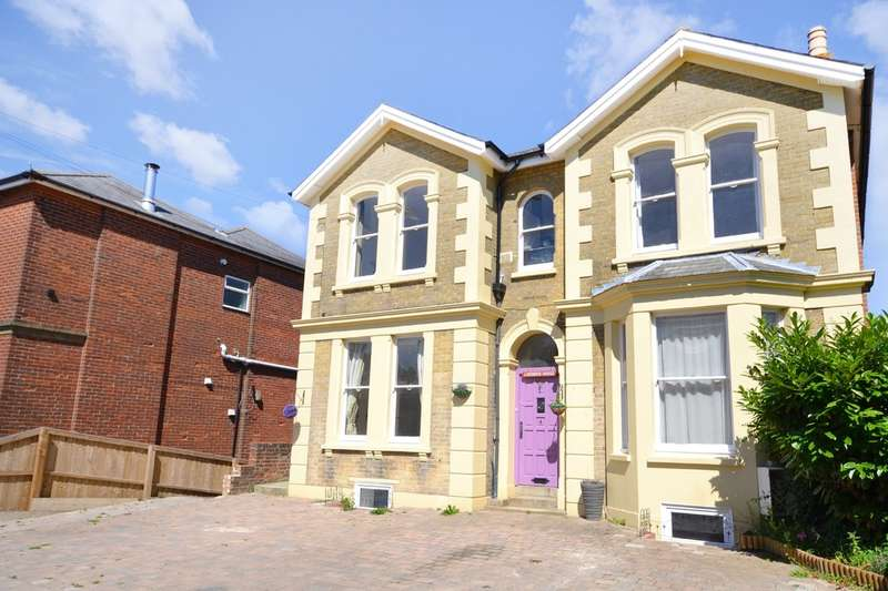 3 Bedrooms Maisonette Flat for sale in Ashey Road, Ryde, Isle Of Wight