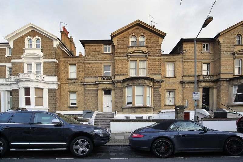 2 Bedrooms Flat for sale in Altenburg Gardens, Battersea, London, SW11
