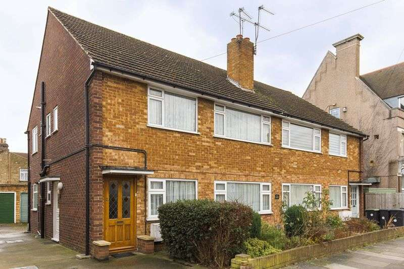 2 Bedrooms Flat for sale in millais road,
