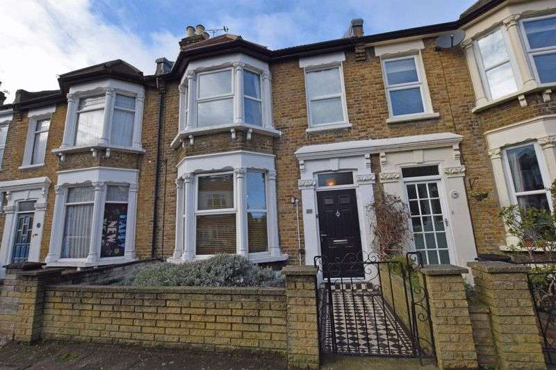 4 Bedrooms Terraced House for sale in Chaucer Road, Wanstead
