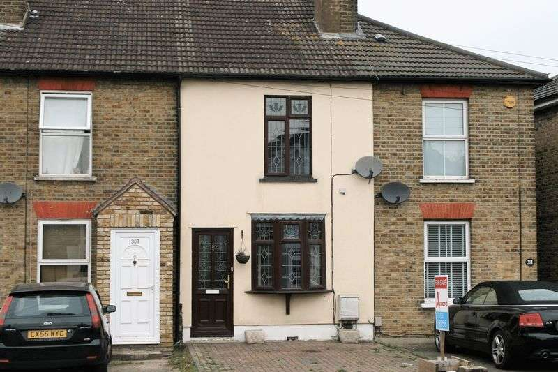 2 Bedrooms Terraced House for sale in Brentwood Road, ROMFORD, RM2