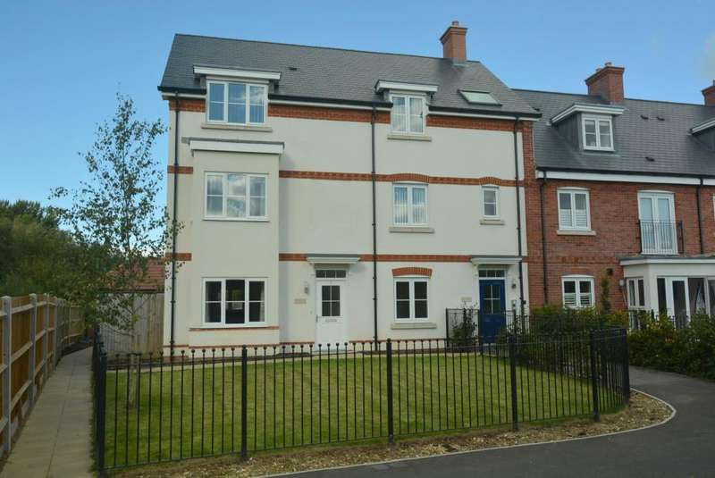 2 Bedrooms Apartment Flat for sale in WIMBORNE