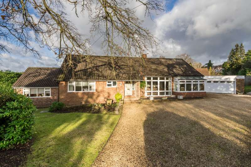 4 Bedrooms Detached Bungalow for sale in Raglan Road, Reigate, Surrey, RH2