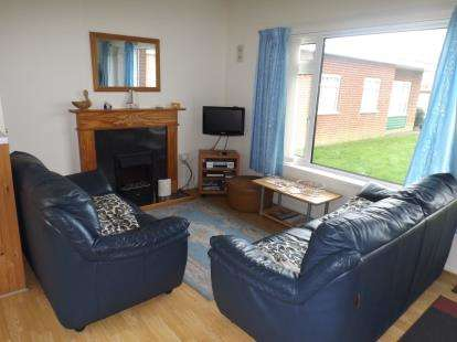 2 Bedrooms Bungalow for sale in Gimingham Road, Mundesley, Norfolk
