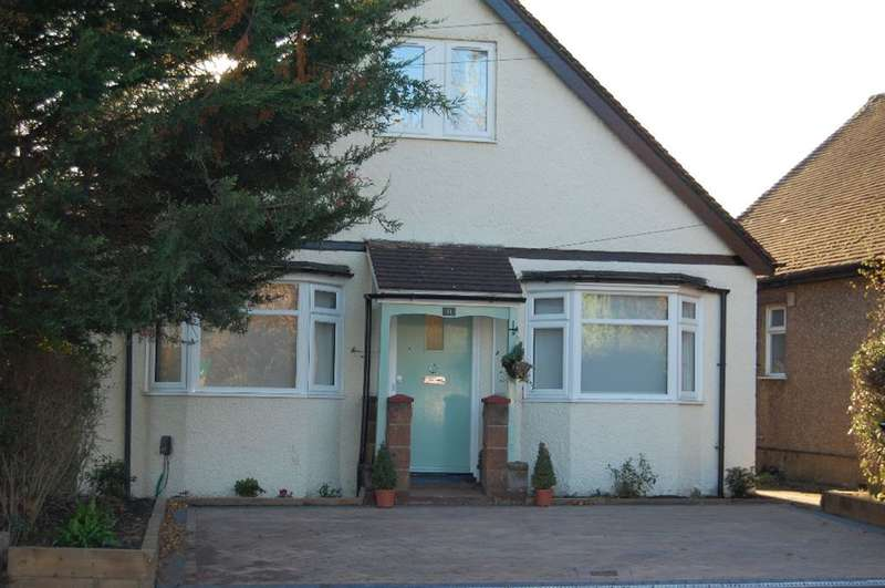 4 Bedrooms Detached House for sale in Horseshoe Lane, Watford, Herts