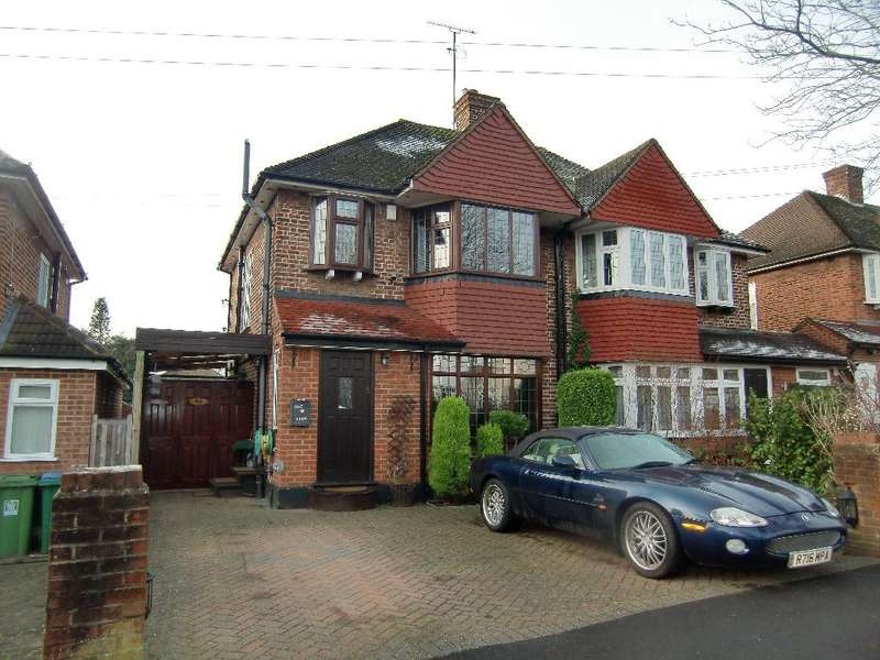 3 Bedrooms Semi Detached House for sale in Woodhurst Avenue, Watford, Herts