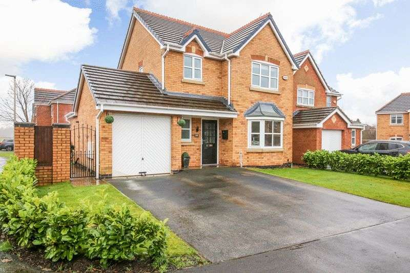 3 Bedrooms Detached House for sale in Palmerston Close, Hindley