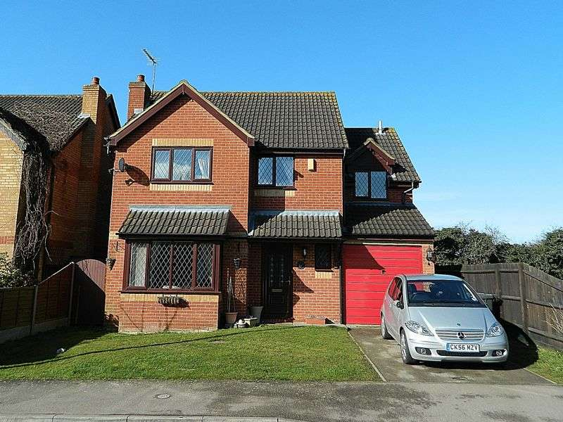 4 Bedrooms Detached House for sale in Flitwick