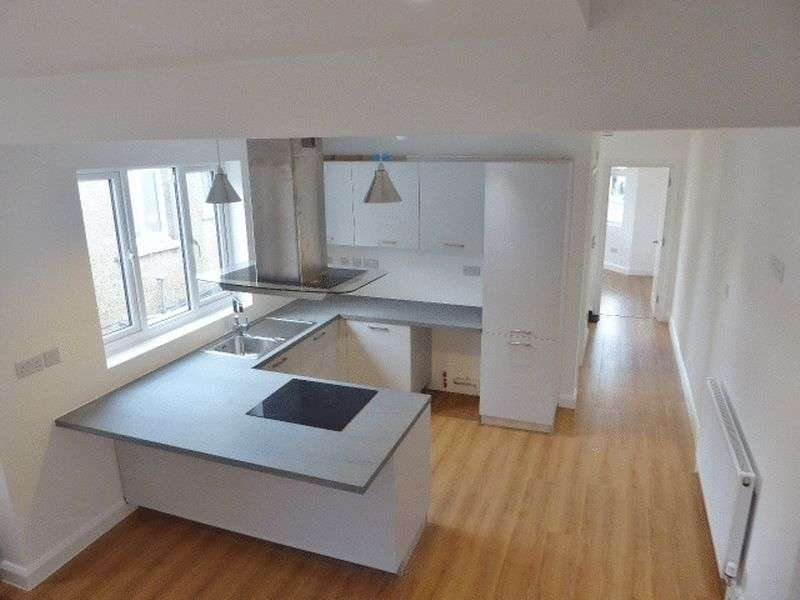 2 Bedrooms Flat for sale in Alston Road, High Barnet