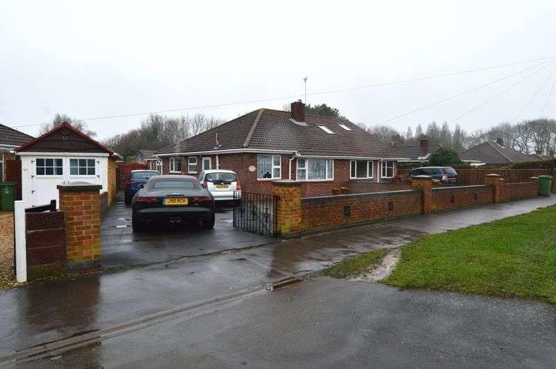2 Bedrooms Semi Detached Bungalow for sale in Bells Lane, Stubbington, Fareham