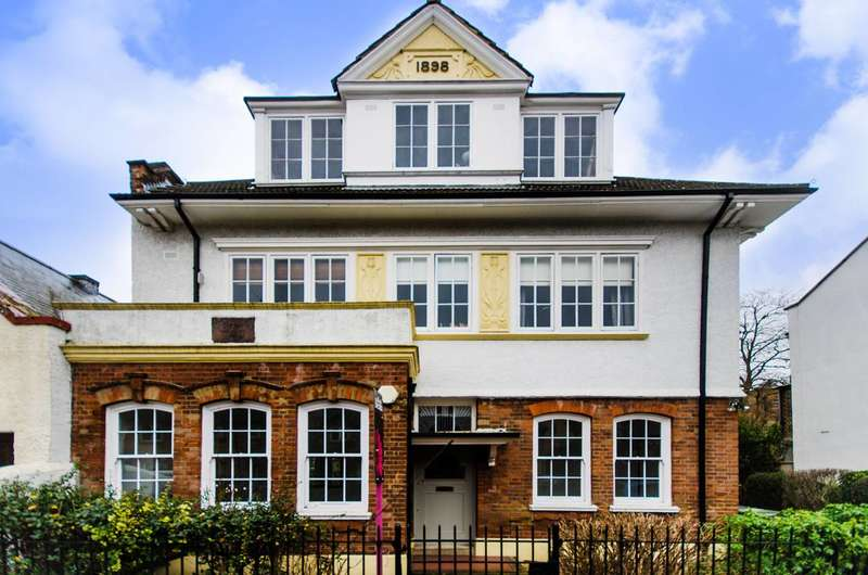2 Bedrooms Flat for sale in Watsons Street, New Cross, SE8