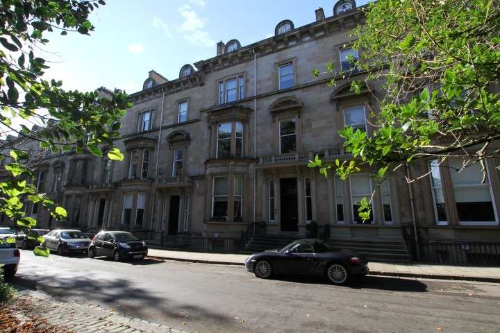 2 Bedrooms Flat for rent in Belhaven Terrace West, West End, Glasgow