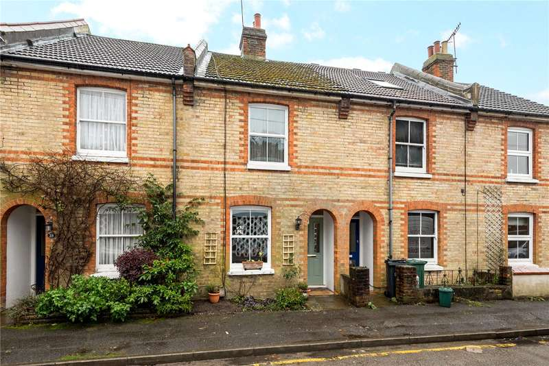 3 Bedrooms Terraced House for sale in Birkheads Road, Reigate, Surrey, RH2