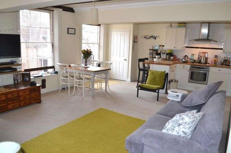 2 Bedrooms Flat for sale in East Street, Tonbridge