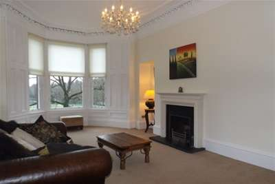 2 Bedrooms Flat for rent in Sauchiehall Street, Kelvingrove