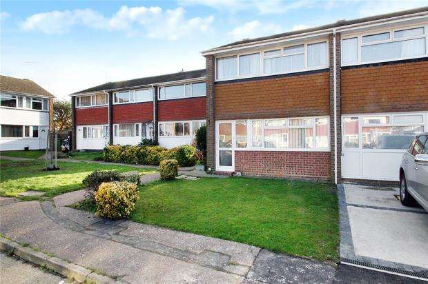 3 Bedrooms Terraced House for sale in Bignor Close, Rustington, West Sussex, BN16