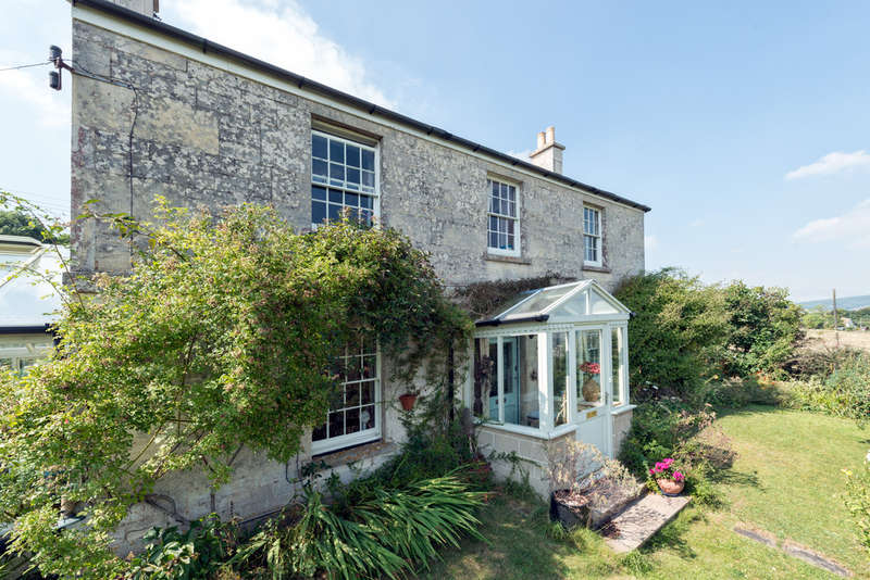 3 Bedrooms Detached House for sale in Selsley East, Stroud