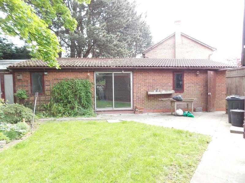 2 Bedrooms Semi Detached Bungalow for sale in West Kirk Close, Darlington