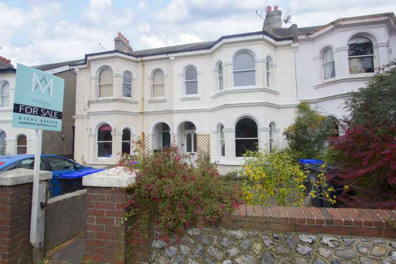 3 Bedrooms Flat for sale in Eton Road