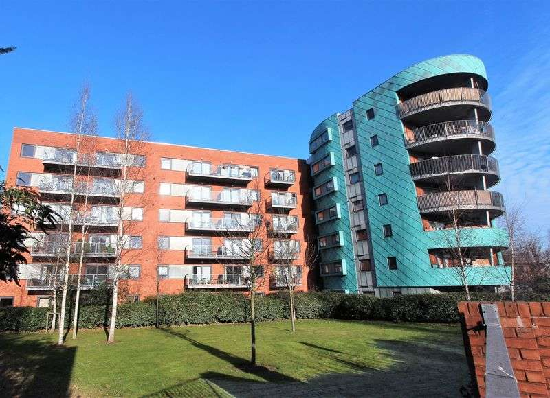 1 Bedroom Flat for sale in Westpoint Apartments, Hornsey