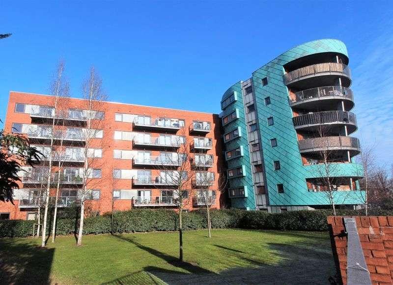 1 Bedroom Flat for sale in Westpoint Apartments, Hornsey N8