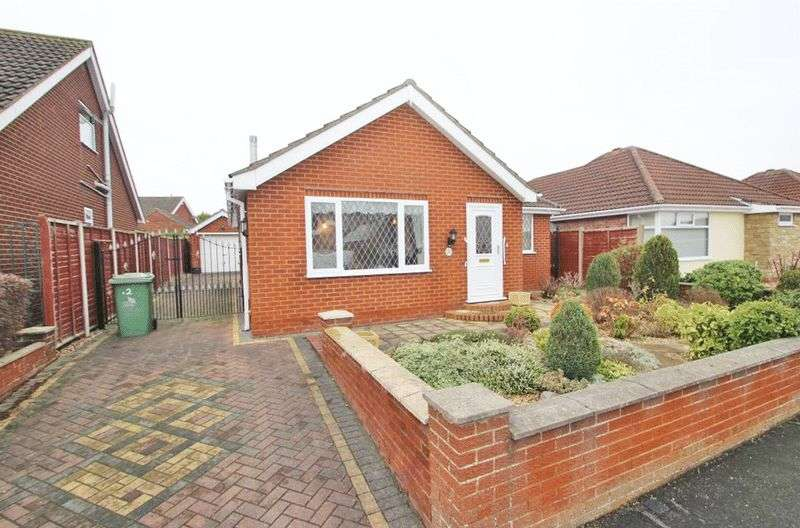 2 Bedrooms Detached Bungalow for sale in LARCH ROAD, CLEETHORPES
