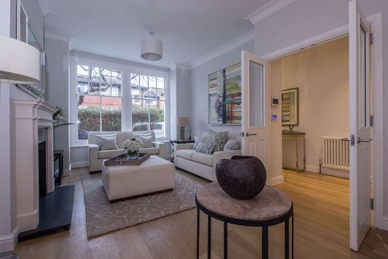 4 Bedrooms Terraced House for sale in Bassingham Road, London, London, SW18