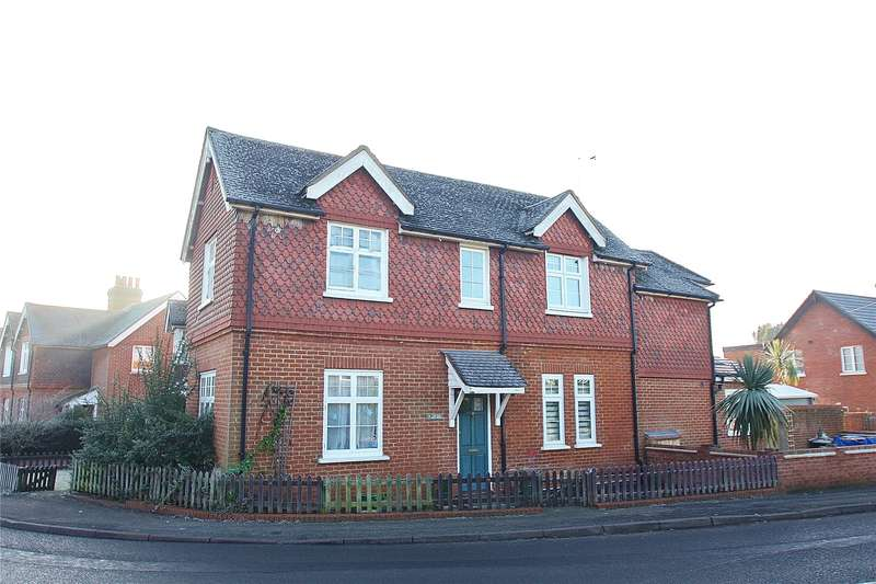 2 Bedrooms Terraced House for sale in The Old Post House, Fox Corner, Worplesdon, Guildford, GU3